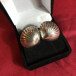 Sterling silver 925 seashell shap pierced earrings